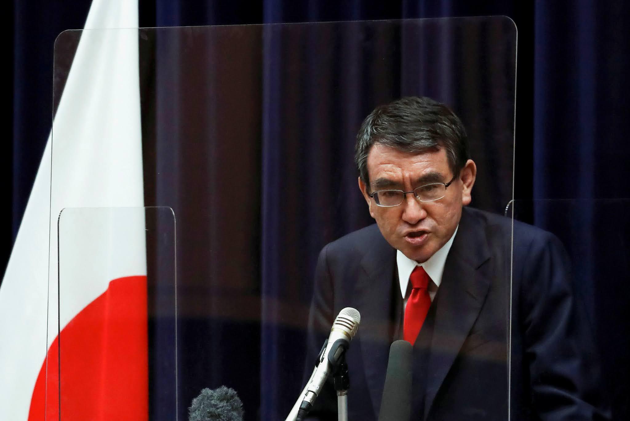 Menteri Taro Kono Raih Popularitas Diantara Pemilih Usia Muda