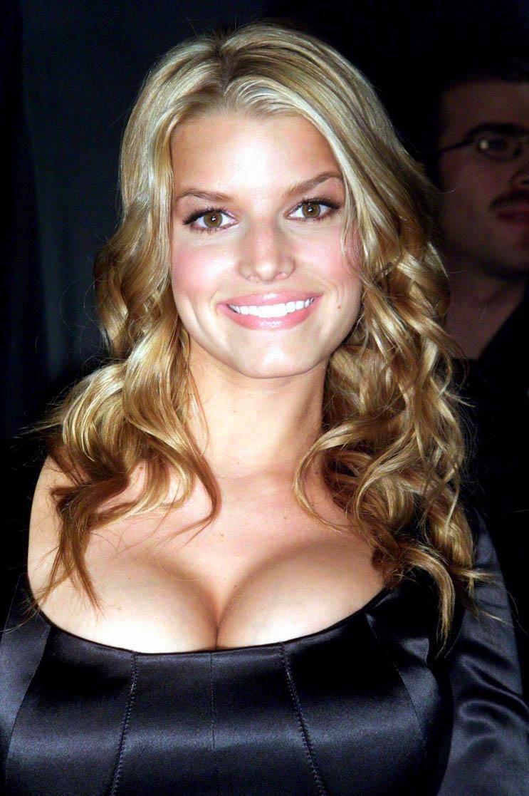 Jessica Simpson Nude Tits