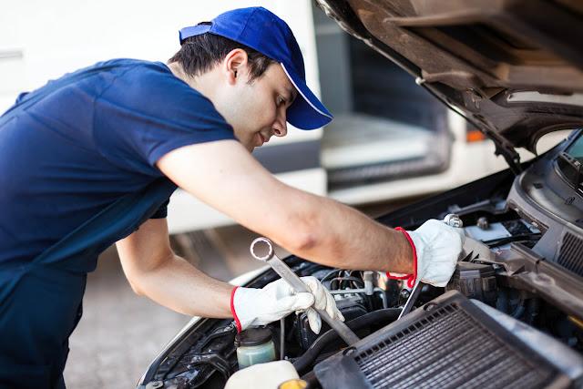 Alat-Alat-Mekanik-yang-Digunakan-Teknisi-Mobil