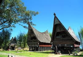 Penjelasan 8 Rumah Adat Tradisional Sumatera Utara Bukde Info