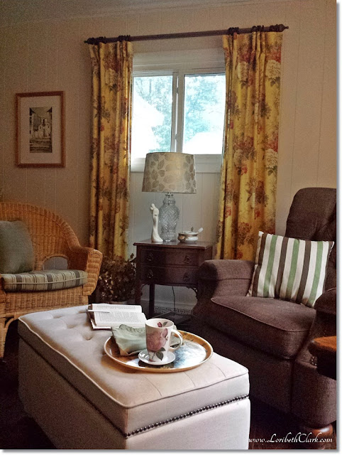 The sitting room with coffee