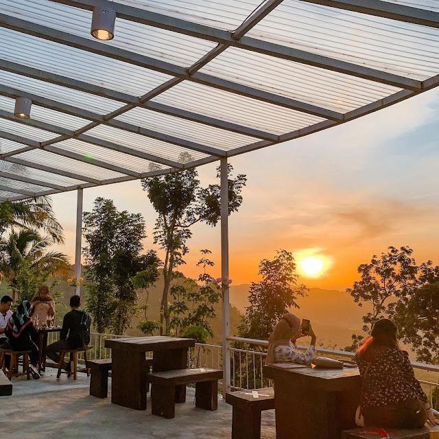 7 Tempat Makan dengan View Terindah di Jogja Terbaru 2021