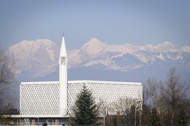 Muslim Slovenia Akhirnya Bisa Berkumpul di Masjid Pertama