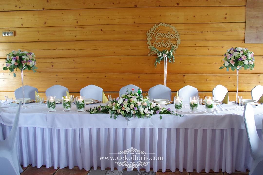 Dekoracja stołu Młodej Pary - pastelowe kwiaty