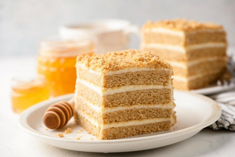hrana-recept-med-slastice-kuhanje-kolači-torte-gastro-slatko-desert-pečenje-kuharica-medena-pita