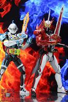 S.H. Figuarts Kamen Rider Saber Brave Dragon 50