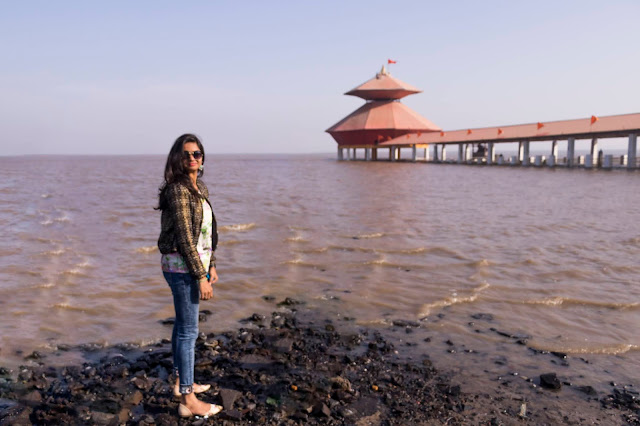 Beach, Shiva Temple, Gujarat, Places to See in Gujarat, Travel Blog, India