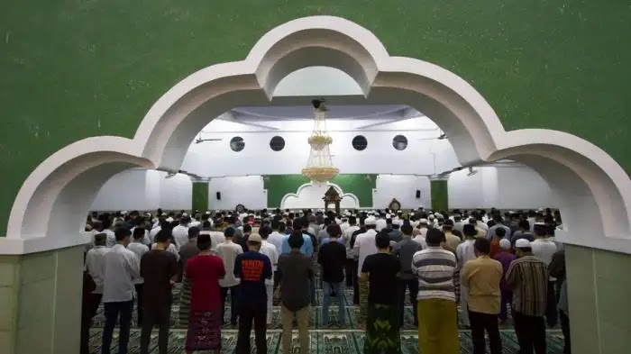 Resmi! MUI Tidak Melarang Shalat Idul Fitri Di Masjid dan ...