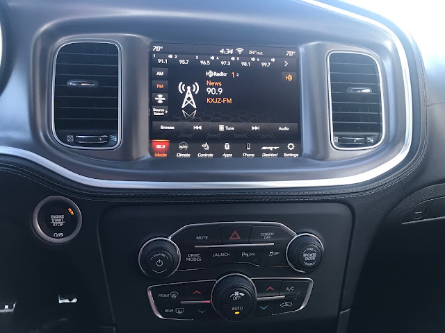 Infotainment and HVAC in 2020 Dodge Charger R/T Scat Pack Plus