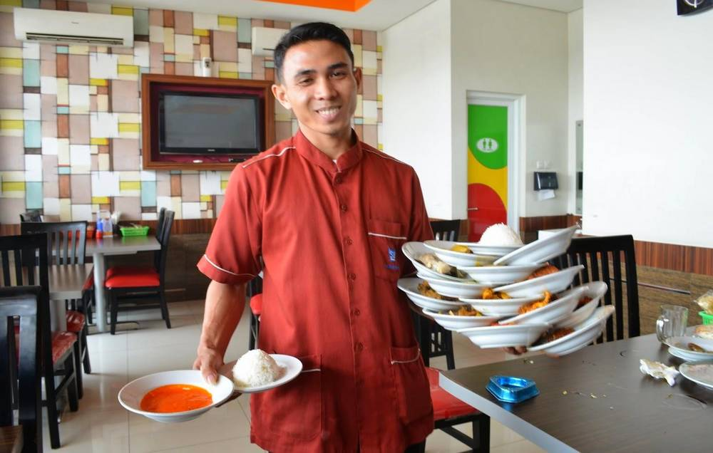 Tempat Kuliner di Padang (halhalal.com)