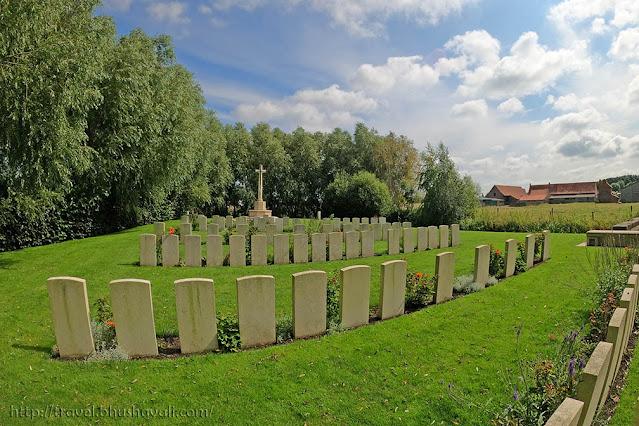 Graves of Indian Soldiers of First World War in Belgium - Grootebeek Cemetery