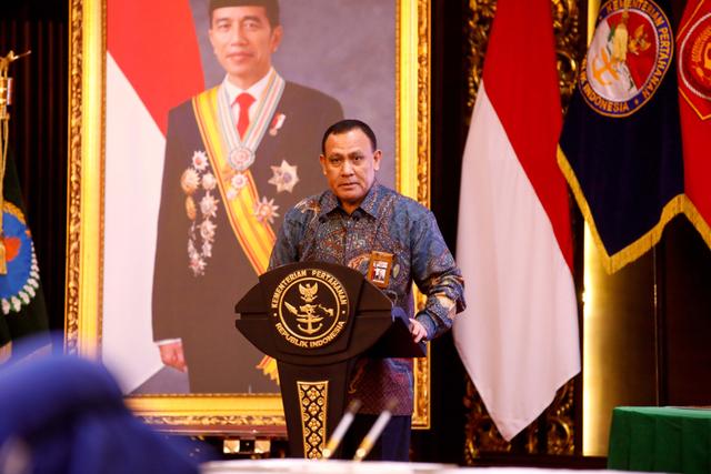 Direktur PUSaKO: Jika Masih Tak Bisa Tangkap Si Harun Masiku, Firli Mundur Saja dari Posisi Ketua KPK