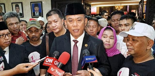 Honorer Diplonco Masuk Got, Ketua DPRD: Copot Semua Lurahnya!
