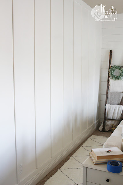 DIY floor to ceiling board and batten tutorial. Board and batten in living room. Board and batten and shiplap together. How to do board and batten. Modern farmhouse living room decor and decorating ideas. White cottage farm decor.