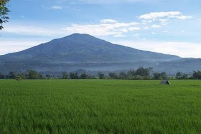 Kakek Berjubah Putih, Mitos Gunung Ciremai
