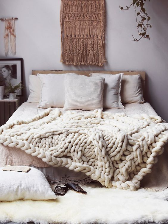 Cozy White Warm Bohemian Bedrooms ..... | From Moon to Moon | Bloglovin\'