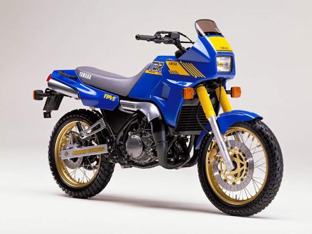 Yamaha TDR250 88 - Garagem do colecionador: Honda NX650 Dominator 1992