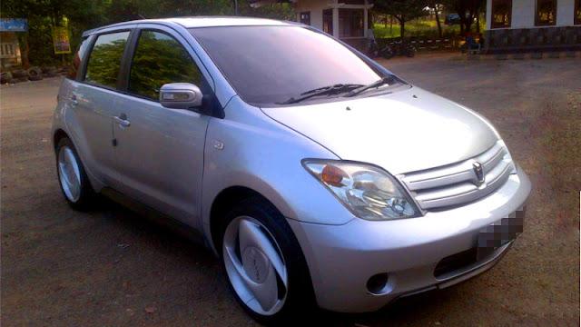 Toyota ist XP60