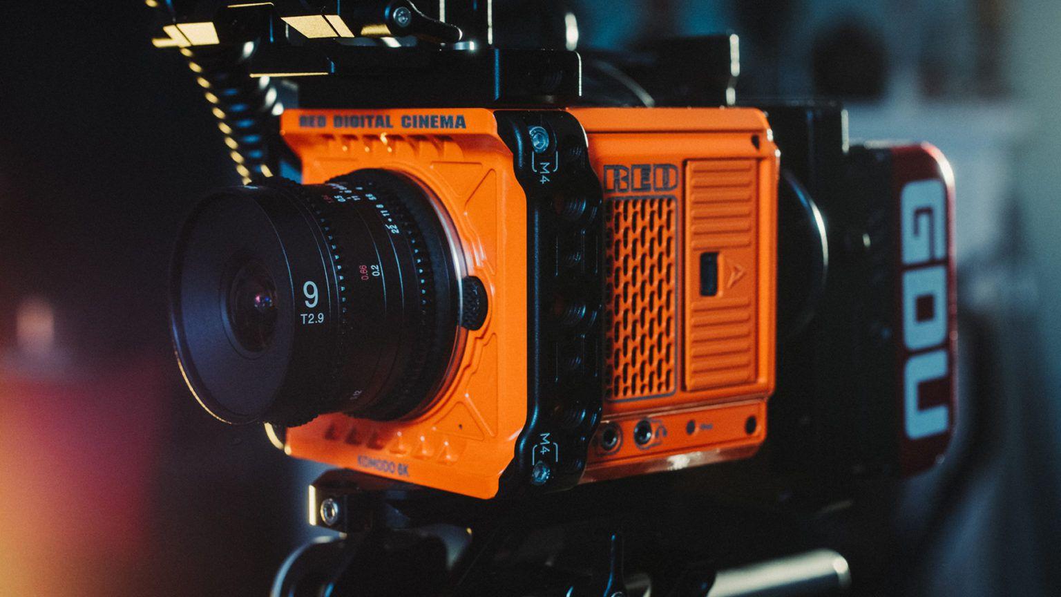 Кинокамера с объективом Laowa 9mm T2.9 Zero-D Cine