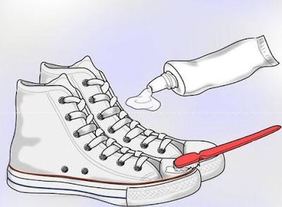 mẹo nhỏ khi đánh giày bằng xi