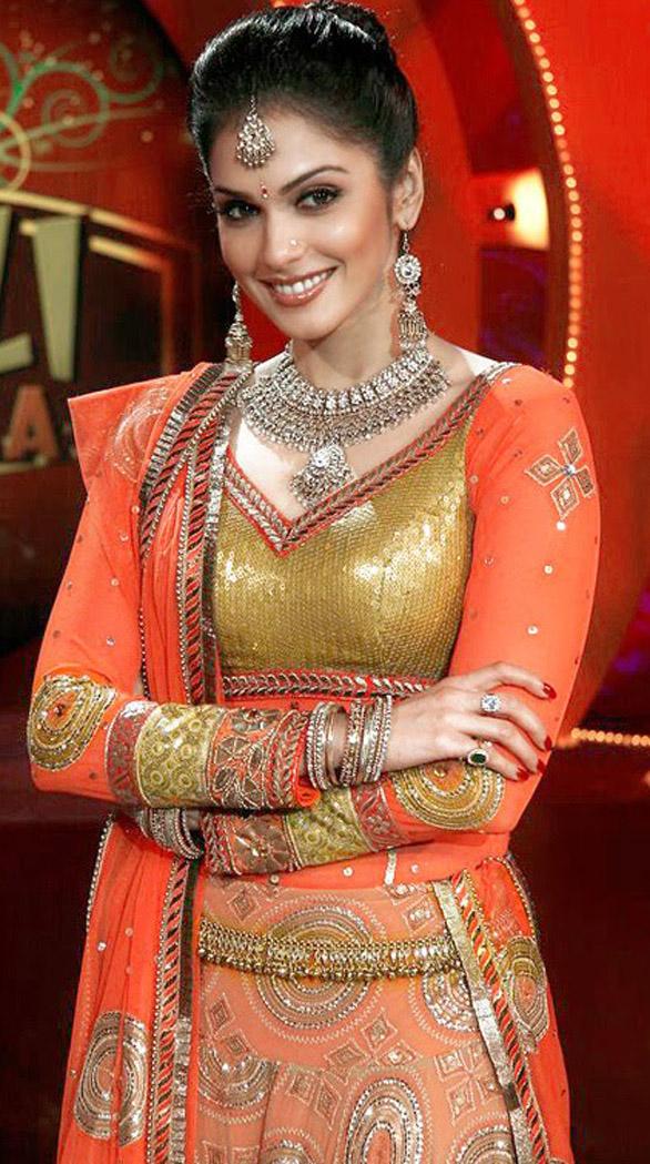 Hansika Motwani Cute Wallpapers Filmy Girls Hot Marathi Actress Isha Koppikar