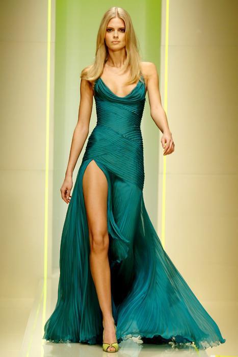 64e4f9f63a07d أجمل صور الفساتين للسهرات 2013