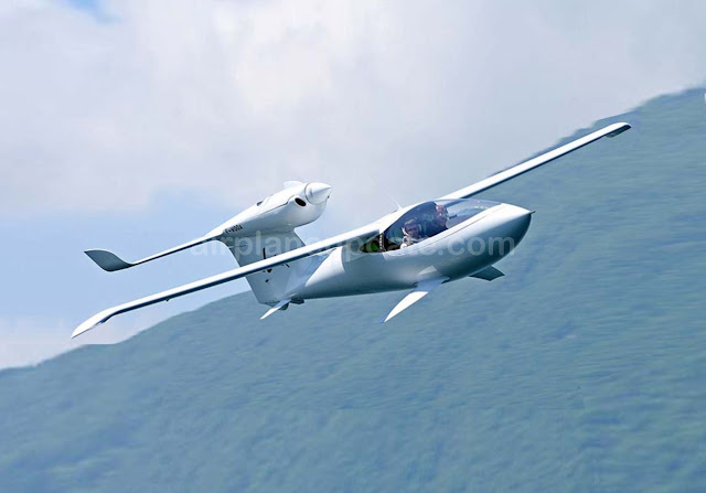 Lisa AKOYA amphibious light sport aircraft