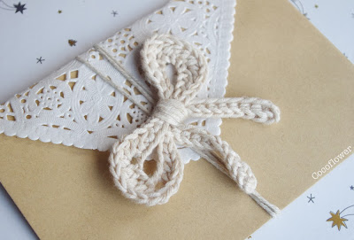 crochet bow and wrapping