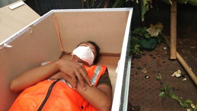 Hukuman 5 Menit Tidur di Peti Mati Benar Terjadi, Alasan Pelanggar Tak Pakai Masker: Ngga Ada Duit