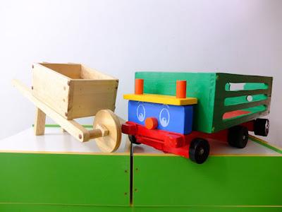 carretas juguete ruedas madera bateria TAP