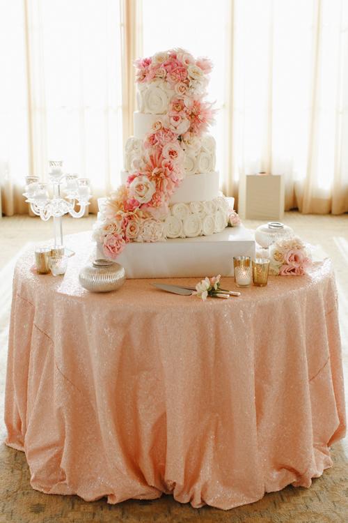 beaux mariages le mariage rose et or de matt et amanda. Black Bedroom Furniture Sets. Home Design Ideas