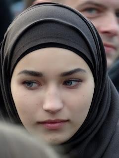 Cinta Bukan Dusta, cinta karena Allah, keutamaan menikah dalam islam