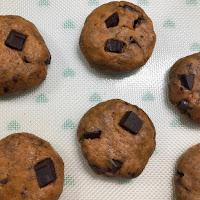 Cookies à la patate douce et aux grosses pépites de chocolat avant cuisson
