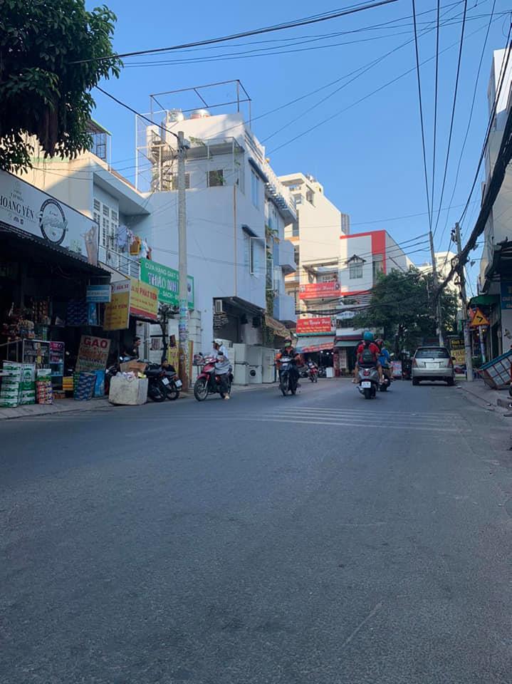 Bán nhà Mặt tiền Đường số 5 phường Bình Hưng Hòa quận Bình Tân. DT 4,3x12,5m