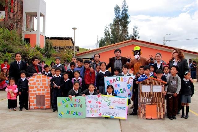 """Aldrin Zárate felicita a los alumnos que participan del II Concurso de Cuentos """"Patricia Arajo"""""""
