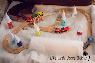 snowy train table