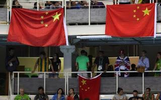 Pasukan Marinir TNI AL Turunkan Paksa Bendera China di Kawasan Pulau Obi Ternate - Commando