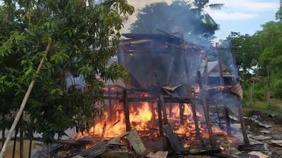 BREAKING NEWS: Lagi, Kebakaran Terjadi di Bone, Api Berkobar di Rumah Warga
