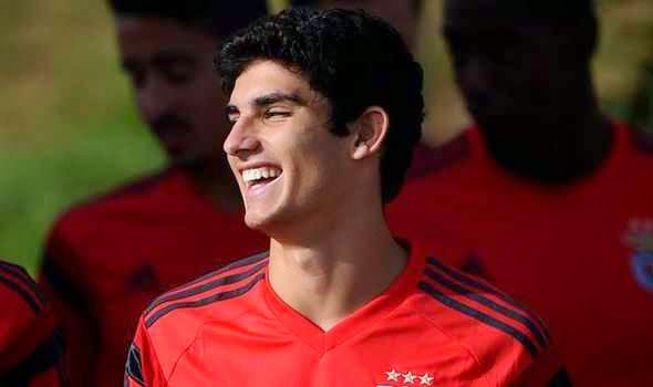 £40m given to Arsenal and Liverpool as cost for  'New Ronaldo'  Goncalo Guedes
