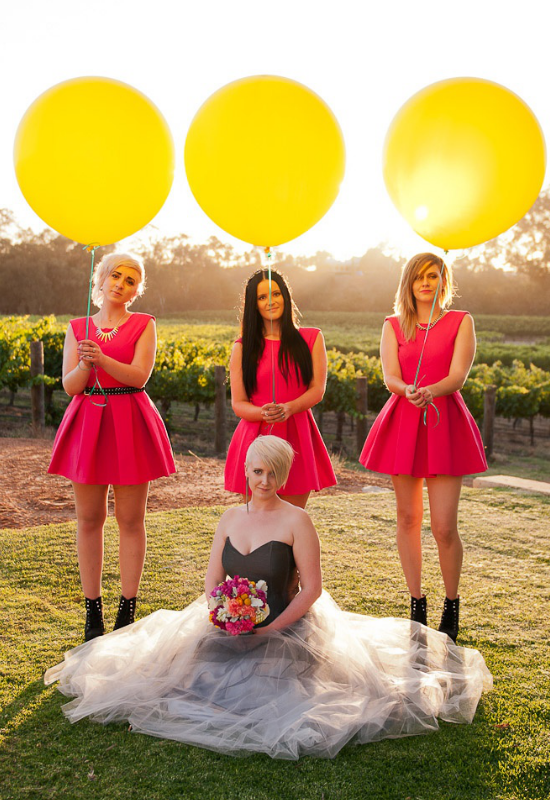 matrimonio tema musica, rock'n'roll bride and bridesmaids