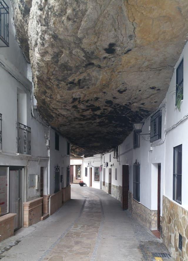 Setenil de las Bodegas | A town under the rock