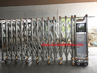 20181123 213601 Cột cờ inox 304 cao 9m 10 m 11m 12m, cổng xếp inox 304 , cổng xếp sắt không ray kéo tay