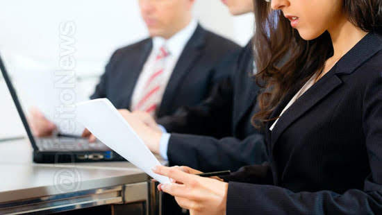 escritorio advocacia omitiu informacoes cobertura direito