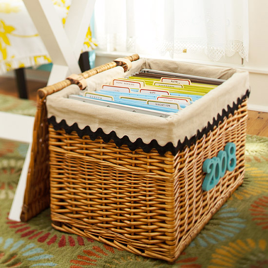Create An Instant Linen Closet With A Large Woven Basket. Stack Sheets,  Pillowcases, And Extra Blankets In Lidded Baskets That You Can Stash Under  The Bed.