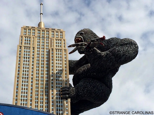 King Kong Giant Oscar Statue At Hollywood Wax Museum