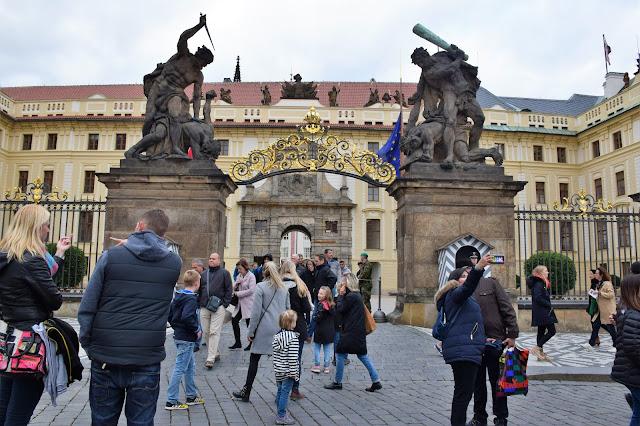 Gate to Prague Castle| Best of Prague in 3 Days