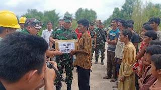 Dandim Tanjab Kunjungi Kampung Suku Anak Dalam di Desa Sungai Paur