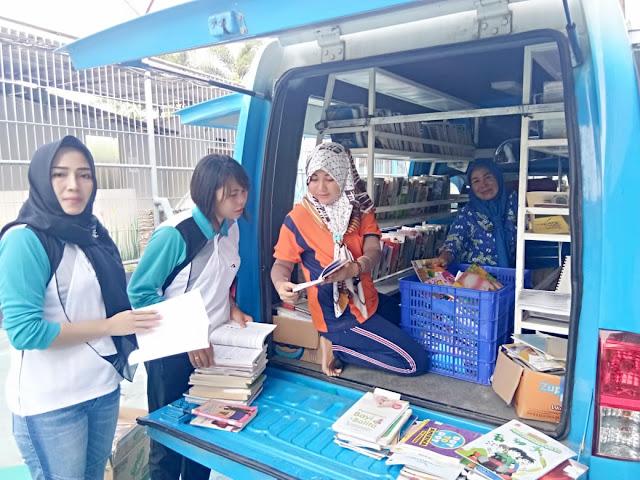 Viral Petang (28/02/2020) BANDAR LAMPUNG --- Dinas Perpustakaan dan Kearsipan Provinsi Lampung lakukan Layanan Perpustakaan Keliling di Lapas Perempuan Kelas IIA Bandarlampung, Rumah Tahanan Negara Kelas I Bandarlampung, Lapas Narkotika Kelas II A Bandarlampung di Jalan Ryacudu Wayhui Sukarame Bandarlampung.