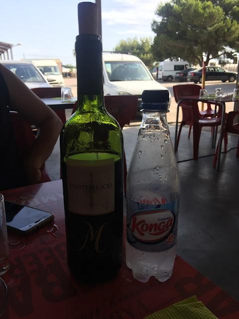 Vino y gaseosa de la cooperativa de Mareny de Barraquetes