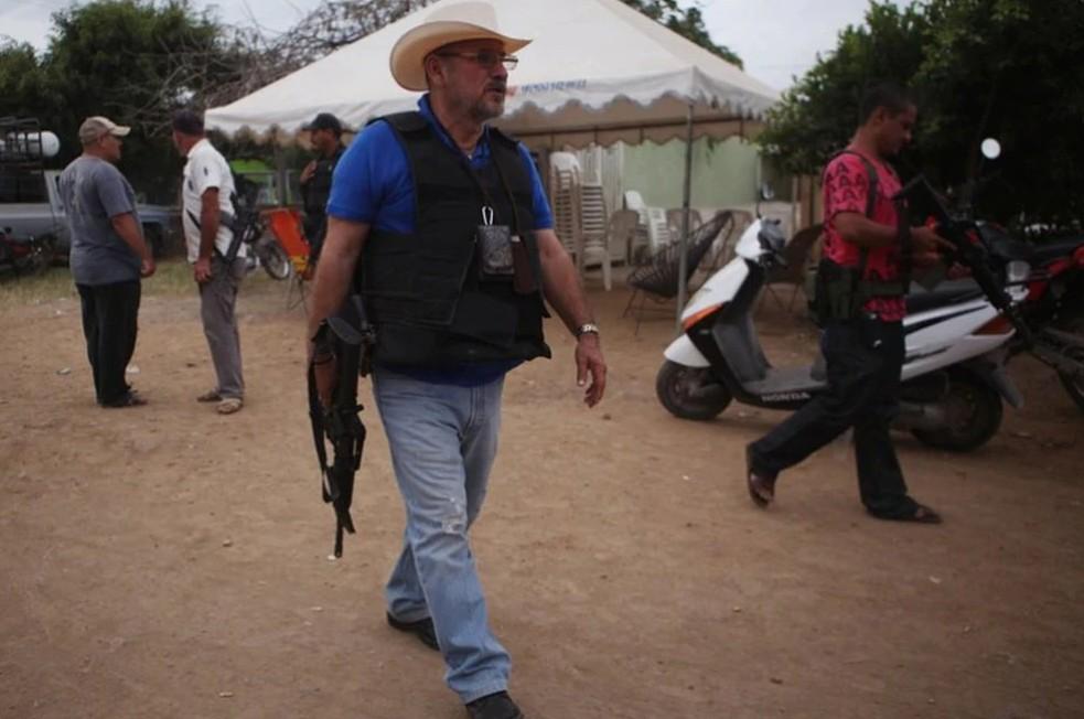 """Dos sobrinos están con CJNG y 'Los Viagras': Hipólito Mora; """"me deslindo de ellos"""", dice"""